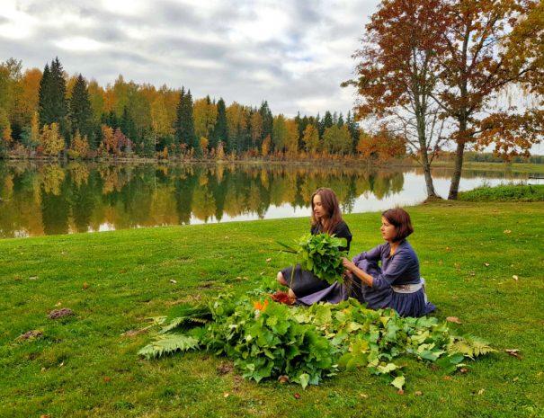Ilona & Laura _ Latvian Sauna Ritual _ Escaperies 02