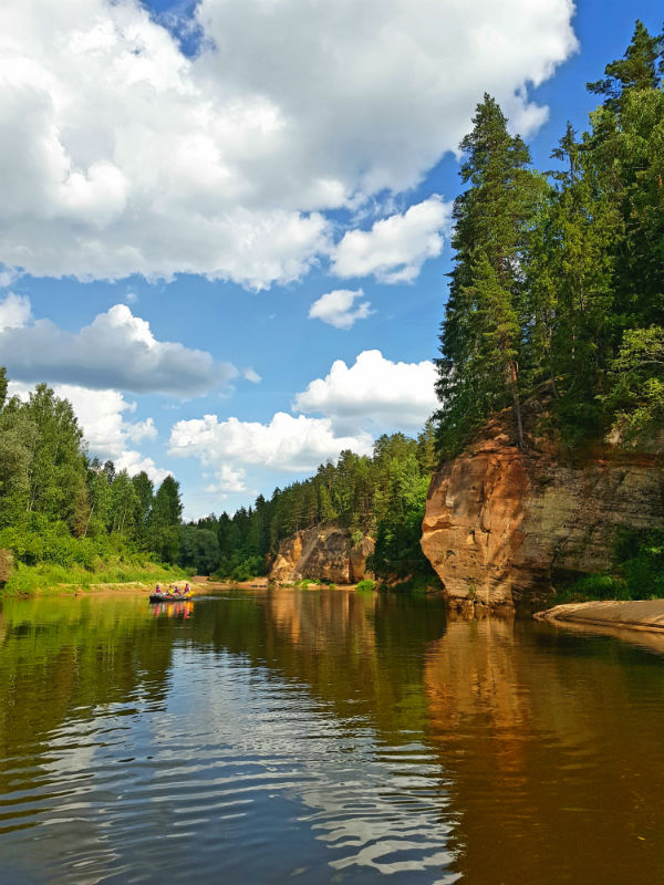 Kayaking in Latvia _ Gauja National park _ boat trip _ Escaperies _ i-Da Adventures