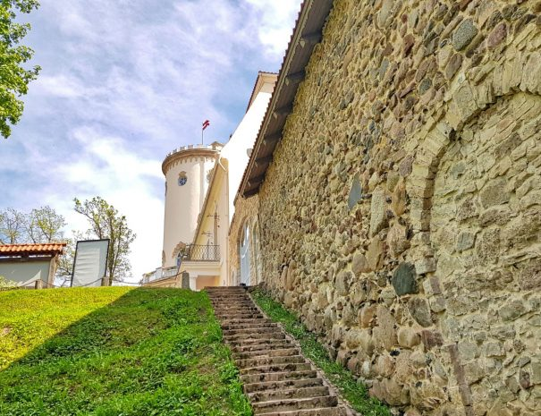 Cesis Castle Wall _ escaperies _ idaadventures